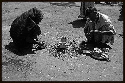 Garibon Par Kya Guzarti Hai Woh Garib Hi Janta Hai by firoze shakir photographerno1