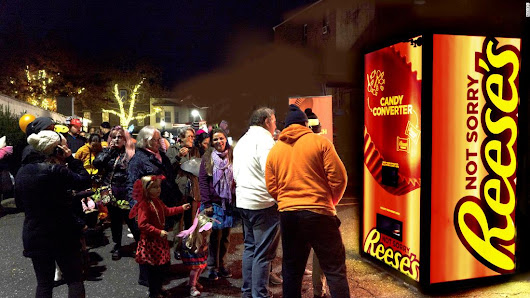 "Reese's created a 'Candy Exchange Vending Machine"" to swap out all the Halloween treats you hate - CNN"