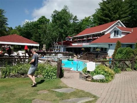 Severn Lodge   Prices & Hotel Reviews (Port Severn, Canada
