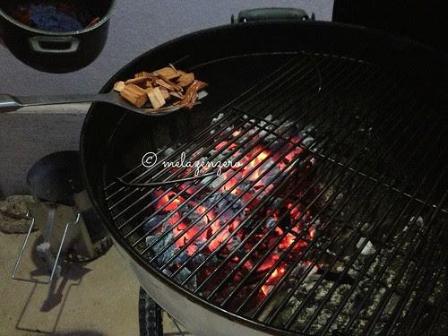 Salmone al barbecue con maionese ai capperi e lime