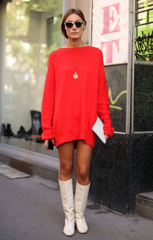 KENYAS STYLE GIORGIA TORDINI MOD SIXTIES 60S LOOK FASHION WEEK KNEE HIGH WHITE BOOTS ORANGE OVERSIZED SWEATER KNIT DRESS TORT SUNGLASSES