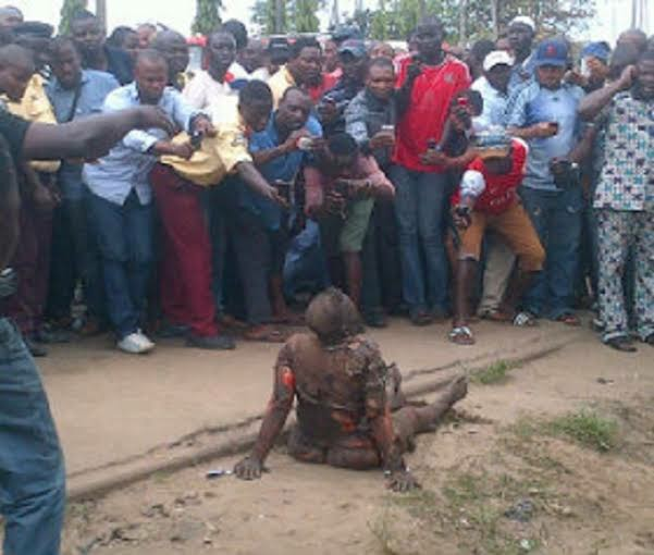 Flying Bird Allegedly Falls From Sky In Lagos, Reportedly Turns To An Old Woman ***PHOTOS***