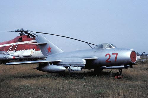 27r MiG-15