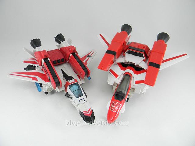 Transformers Jetfire G1 - modo alterno con armadura vs Classic