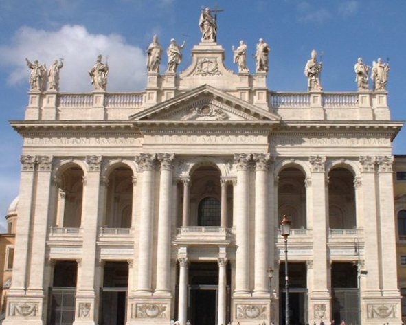http://upload.wikimedia.org/wikipedia/commons/a/a2/Lateran_basilica.png
