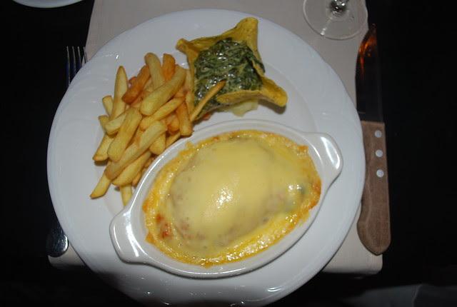 Yena Keshi Yena Stuffed Cheese Is A National Dish Of Aruba And Curacao