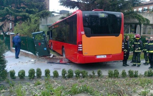 Imagen del autobús siniestrado.