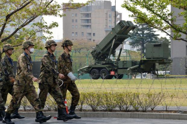 Japão posiciona baterias antimísseis na região de Tóquio  YOSHIKAZU TSUNO/AFP