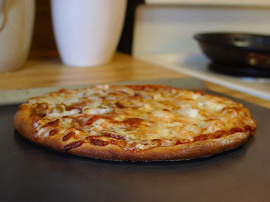 File:Pizza (22).jpg - Wikimedia Commons