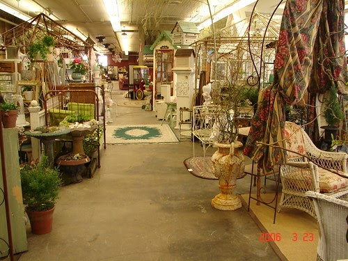 Monticello Antique Marketplace Salvage Garden 2006