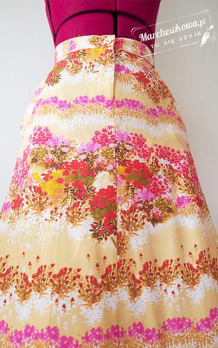marchewkowa, blog, szafiarka, szycie, krawiectwo, spódnica, kwiaty, River Island, wyprzedaże, sale