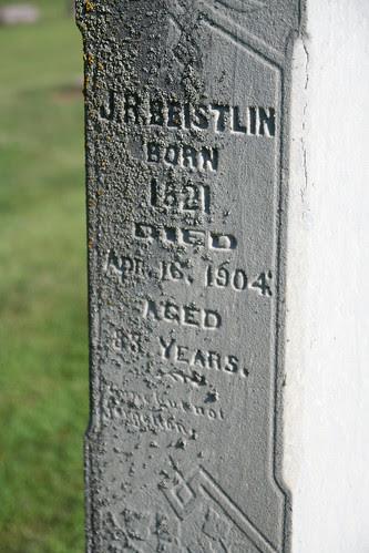Close up J.R. Beistlin tombstone