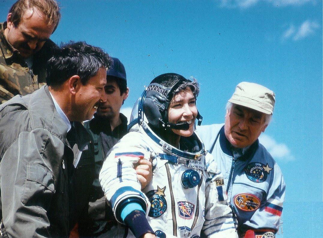 Sep02-SoyuzTM23landing