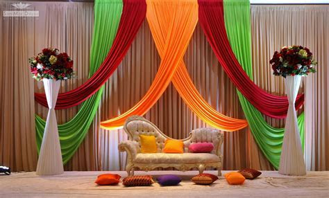Indian Wedding Stage Decoration Idea ? OOSILE