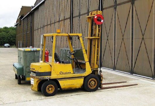 Safety Rules For People Working Around Industrial Lift Trucks | OSHA Safety Manuals