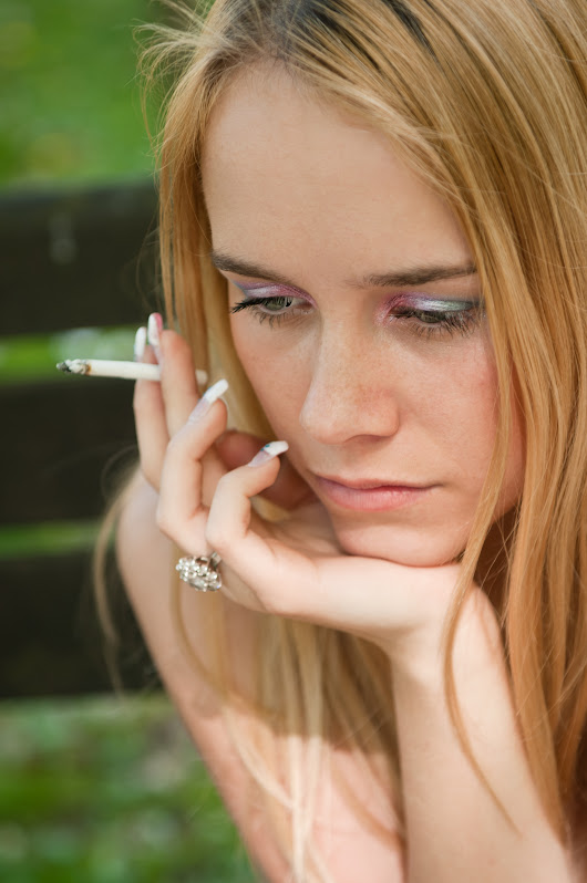 Teens and Smoking - Park Bench Group Addiction Treatment