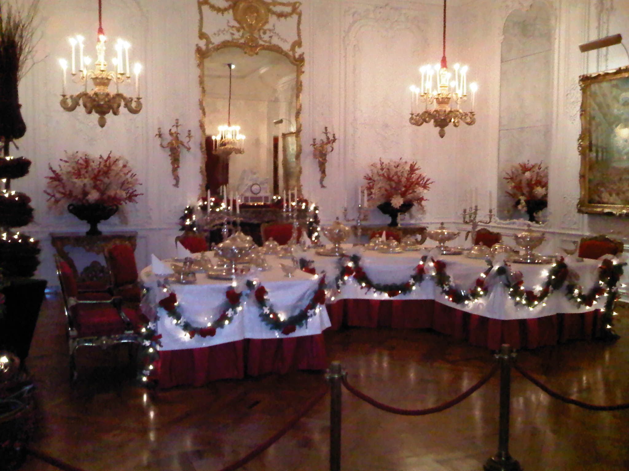 File:Christmas dining room.jpg - Wikipedia, the free encyclopedia