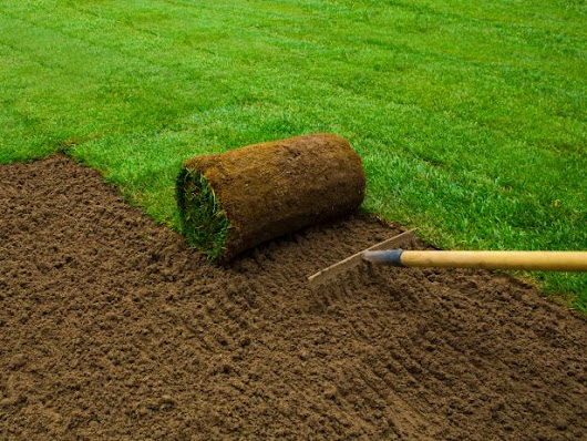 How to Create a Level Lawn With Sod