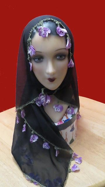 detail headscarf