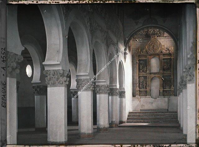 Sinagoga de Santa María la Blanca entre el 15 y el 17 de junio de 1914. Autocromo de Auguste Léon. © Musée Albert-Kahn - Département des Hauts-de-Seine