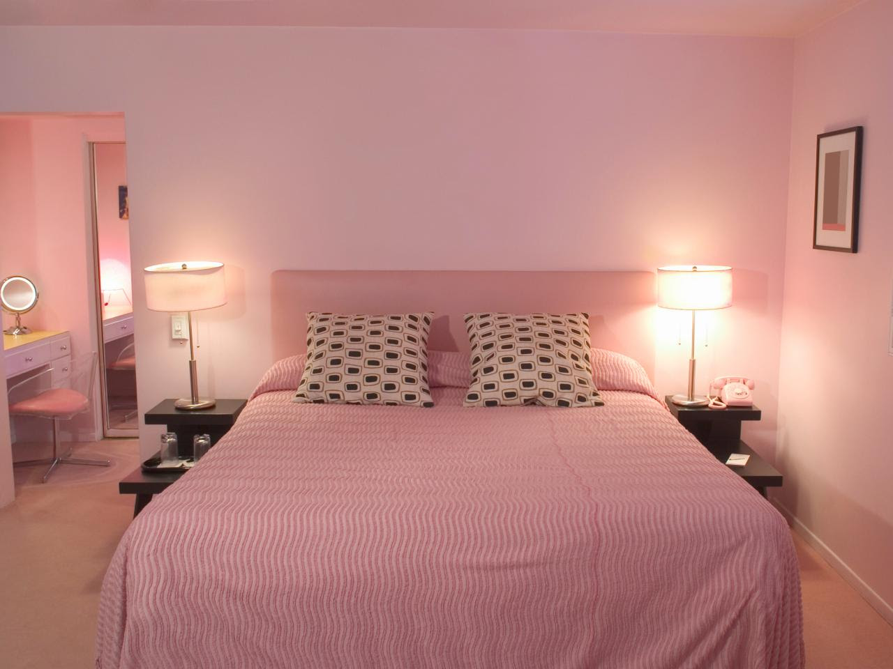 Chic Pink Bedroom Design Ideas for Fashionable Girl ...