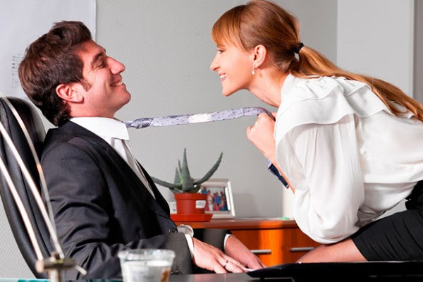 flerte-no-trabalho-3-el-hombre-600x400