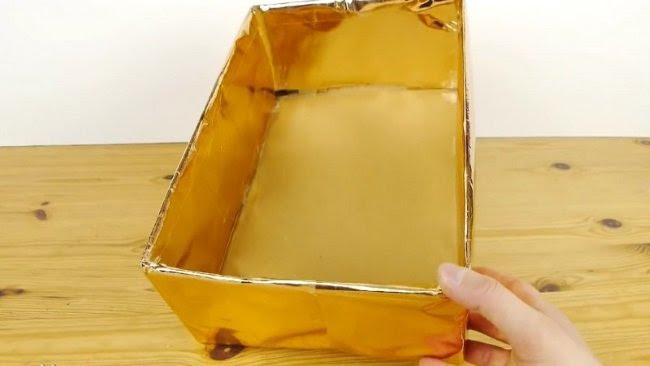 золотистая коробка