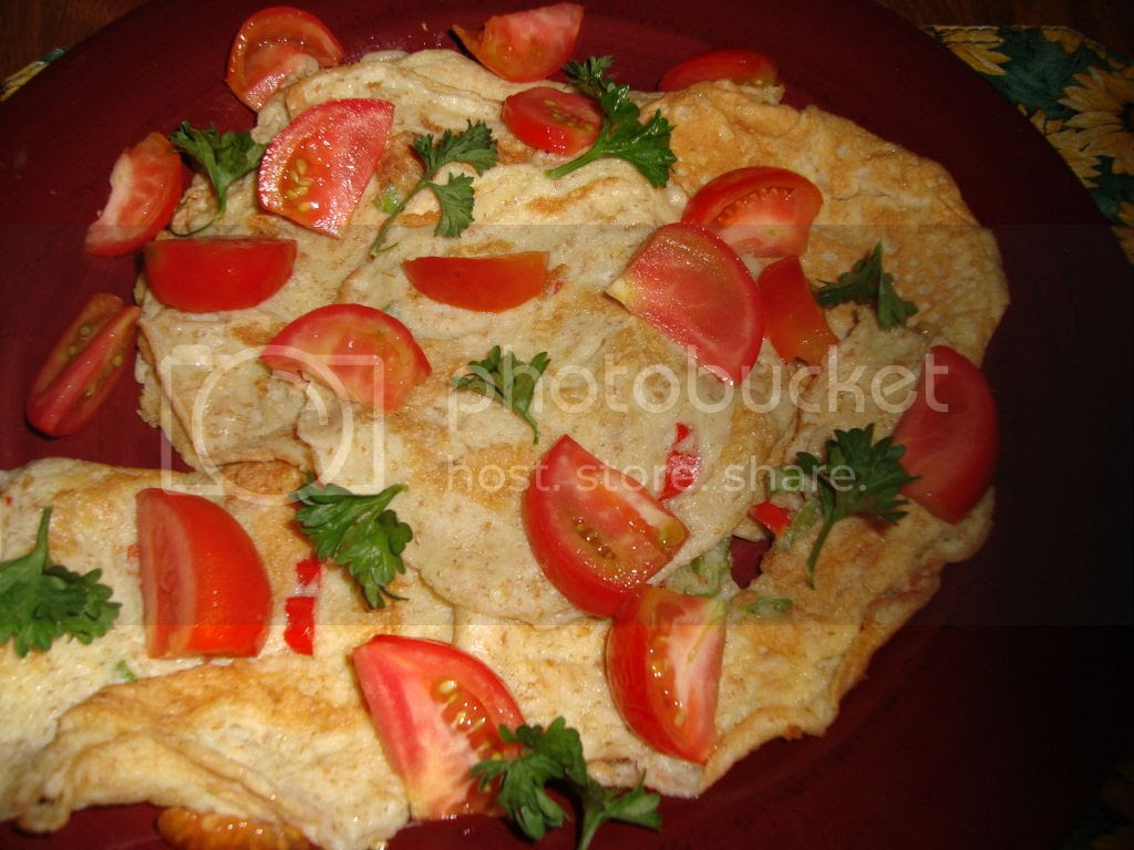 Bell Pepper Omelet served with Tomatoes and Parsley