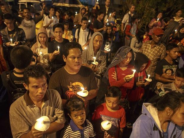 Comemorações de Ano Novo foram canceladas ou reduzidas na Indonésia em razão da tragédia (Foto: Reuters/Athit Perawongmetha)