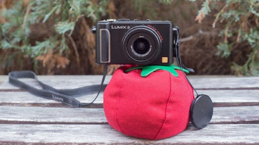 The Heirloom Is Looking to Replace Your Tripod With a Tomato