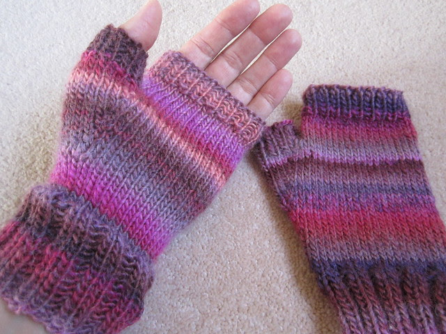Charlotte's mitts (5)