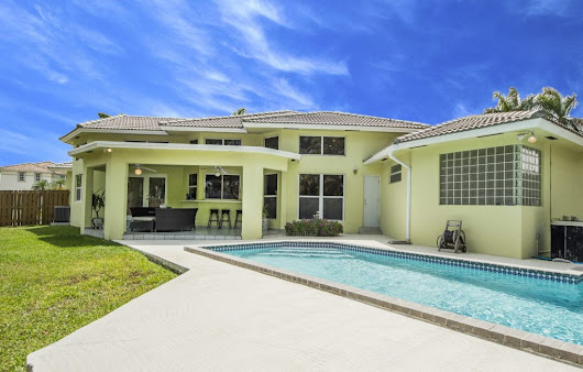 Charming Palmetto Bay Home - The Levy Group - EWM Realty International