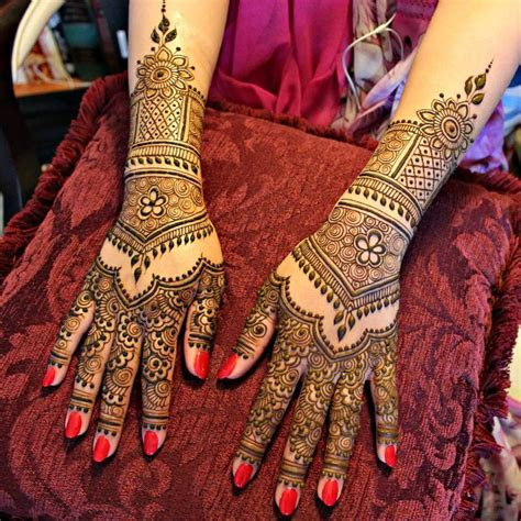 25  Latest Bridal Henna Mehndi Designs   Art & Craft Ideas