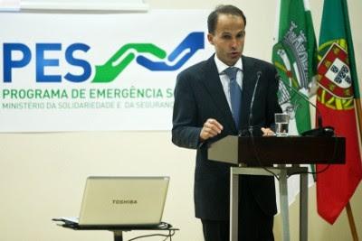 O ministro da Solidariedade e da Segurança Social, Pedro Mota Soares, apresenta o PES, 5 de Agosto de 2011 – Foto de Miguel A. Lopes/Lusa