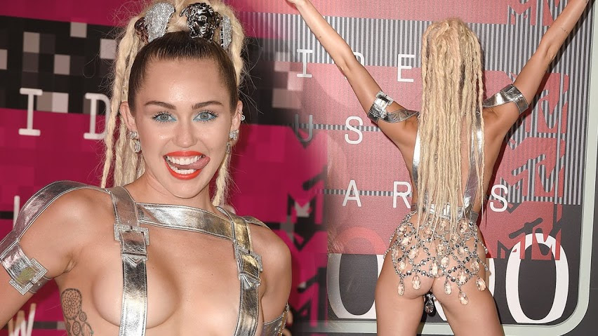 most-shocking-red-carpet-outfits-youve-ever-seen-07