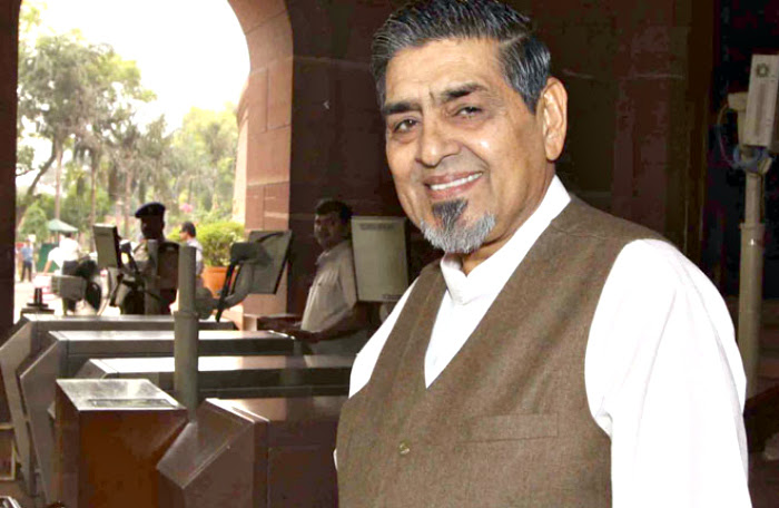 Young Sikh Man Attacks Congress Leader Jagdish Tytler One Of The Accused In 1984 Riots Case