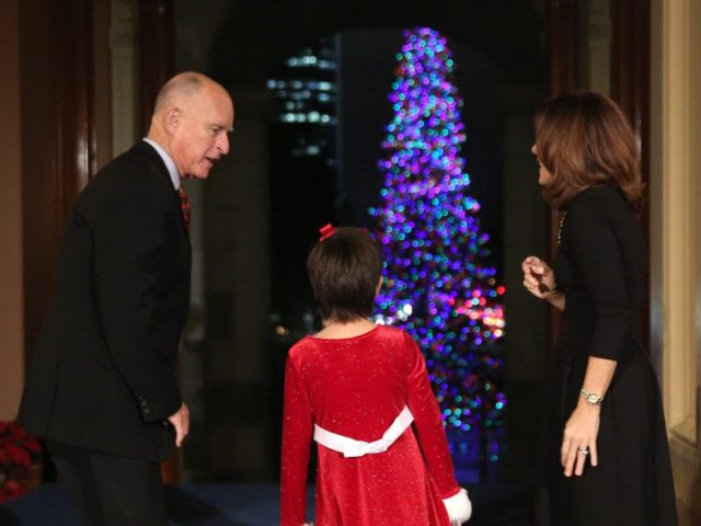 Jerry Brown Christmas (Rich Pedroncelli / Associated Press)