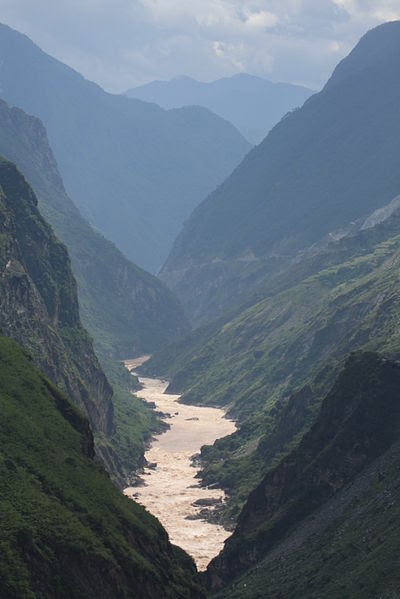 File:Jinsha River at Tiger Leaping Gorge.JPG - Wikimedia Commons