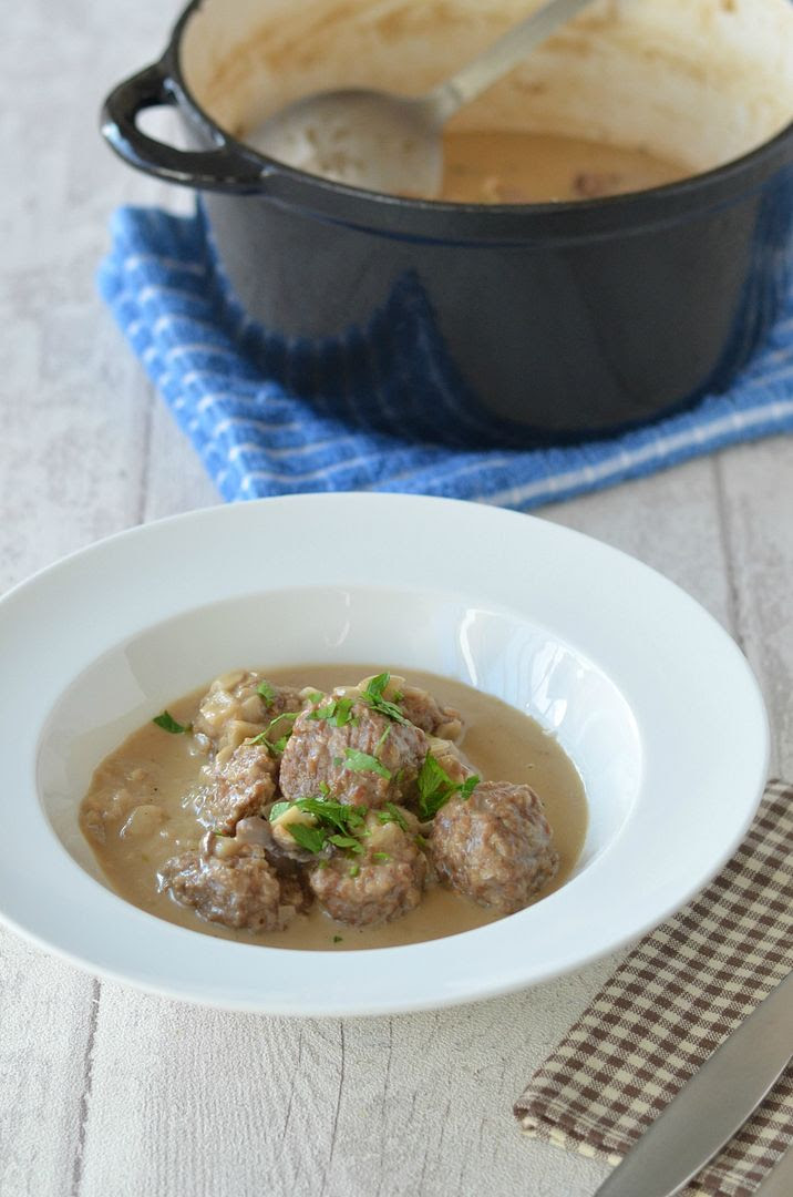 Meatballs in Coconut Milk Gravy