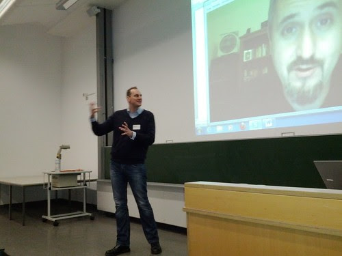 Stephan Rinke (edumorph) dolmetscht für Moodle Chef-Entwickler Martin Dougiamas