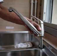 Tuyaux robinet cuisine qui fuit niveau de la poignee - Robinet cuisine qui fuit ...