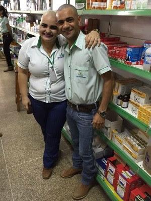 Funcionária diz que ficou surpresa com ação dos colegas de trabalho (Foto: Lorena Vidigal/ Facebook)