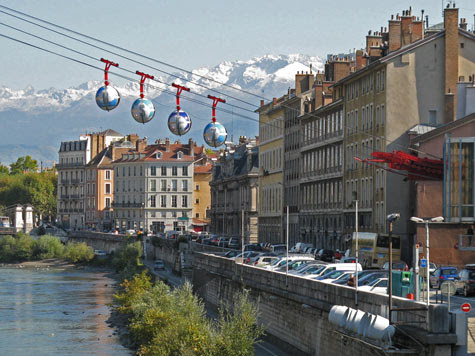 Travel Europe - Places of Interest in Grenoble France