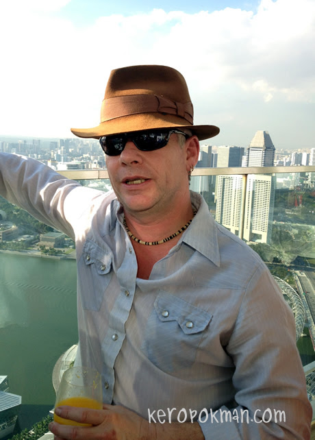 Invite Mr Wright debuts 29 March 2012 @ TLC Asia