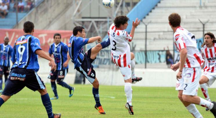 Instituto mostró su mejor juego en el segundo tiempo y venció a Gimnasia en Jujuy (Foto: gentileza El Pregón).