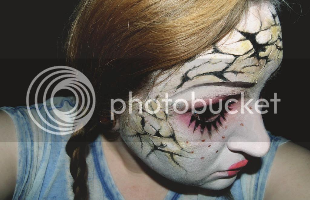 Cracked doll halloween makeup tutorial, 3d effect, horror, sfx