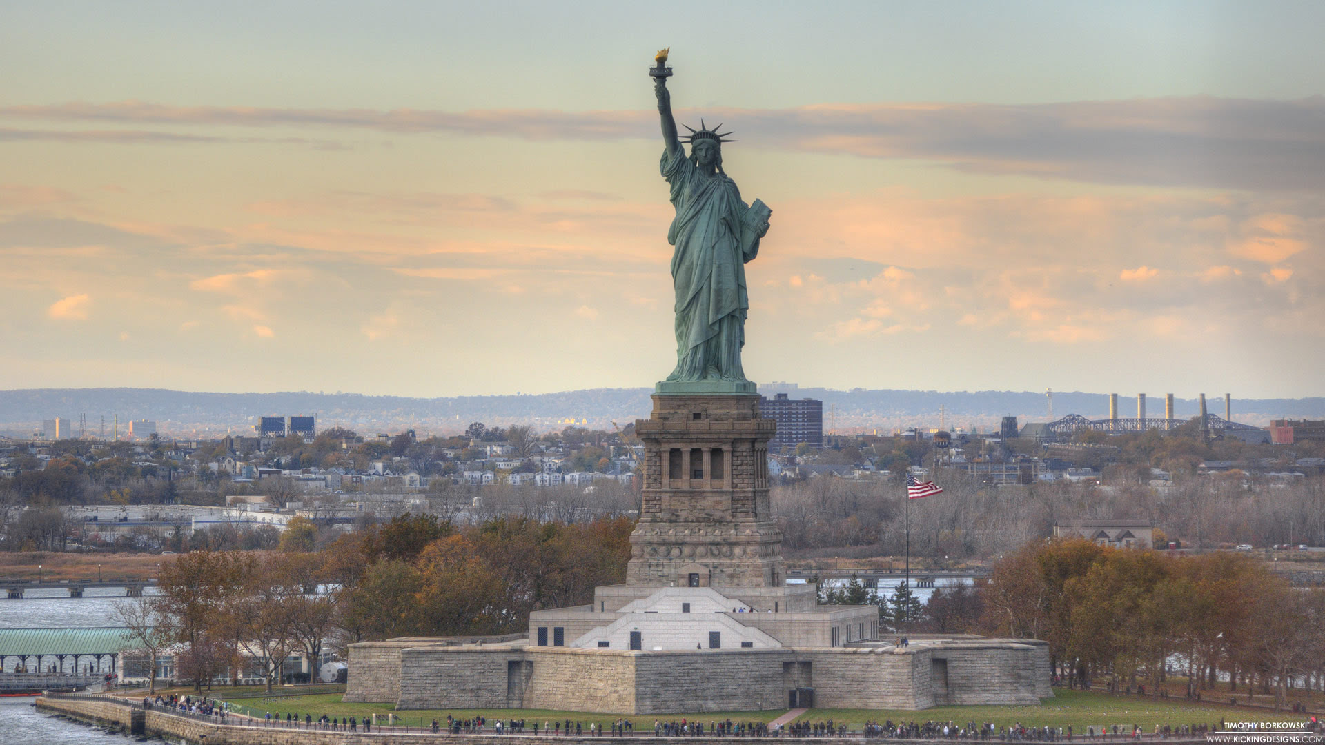 Statue Of Liberty Background Wallpaper 17004 Baltana