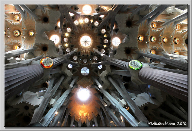 4 interior Sagrada Familia