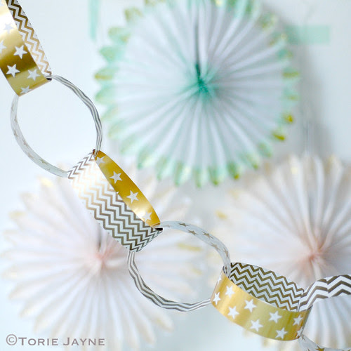Gold and white star paperchain