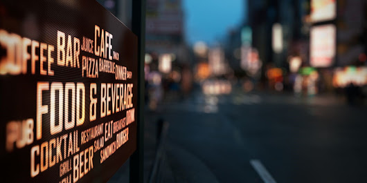 LED Message Centers Make Changing Signs Easy for Small Businesses
